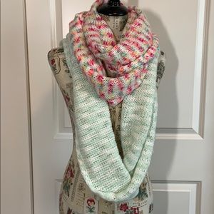 ❤️Two Knit Infinity Scarves❤️